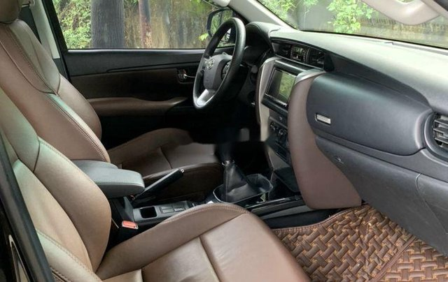 Cần bán gấp chiếc Toyota Fortuner sản xuất 20188