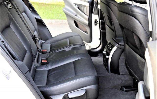 Bán xe BMW 528i năm 2014, màu trắng, nhập khẩu, số tự động5