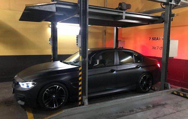 Cần bán BMW 320i sản xuất năm 2014, màu đen9