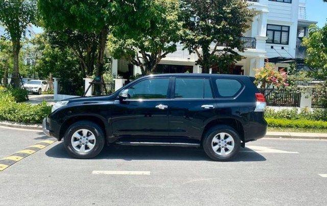 Cần bán xe Toyota Land Cruiser sản xuất năm 2010, màu đen, xe nhập còn mới2