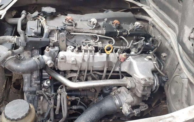 Bán Toyota Hiace 6 chỗ 850kg đời 2006, màu trắng, 220tr11