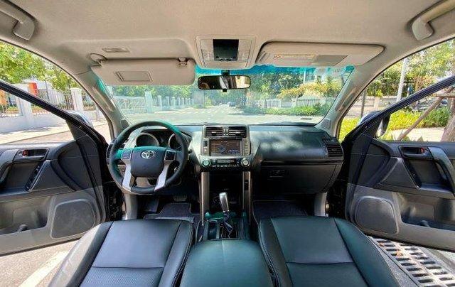 Cần bán xe Toyota Land Cruiser sản xuất năm 2010, màu đen, xe nhập còn mới10