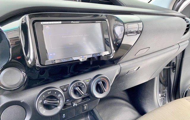 Bán ô tô Toyota Hilux sản xuất năm 2019, màu bạc, xe nhập 10