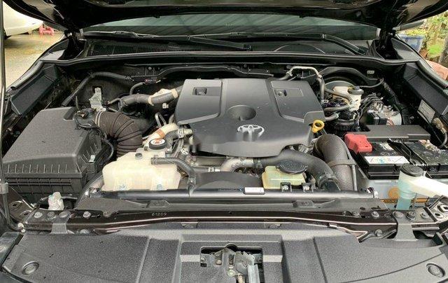 Cần bán gấp chiếc Toyota Fortuner sản xuất 201810