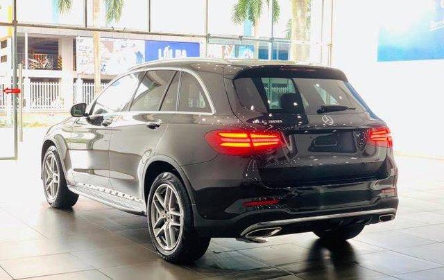 Auto bán Mercedes GLC300 4Matic sản xuất 2018, màu đen6