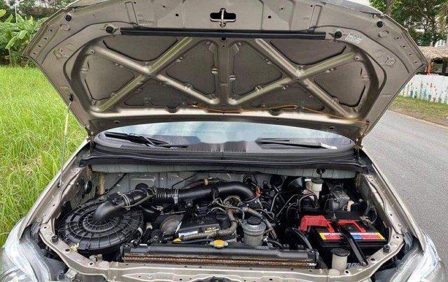 Bán ô tô Toyota Innova năm sản xuất 2014, màu vàng cát8