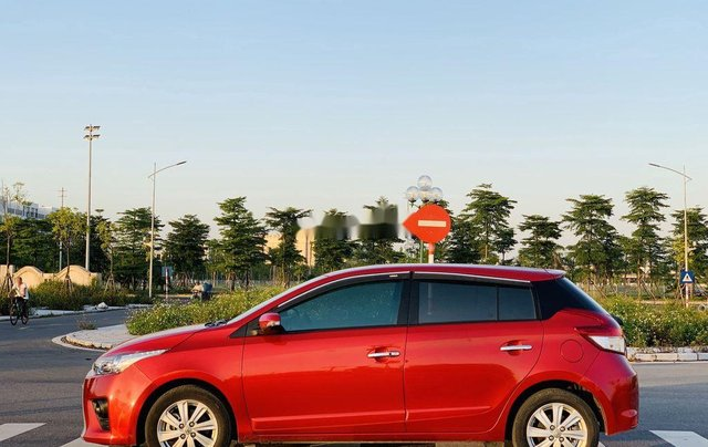 Cần bán gấp Toyota Yaris sản xuất năm 2015, xe giá thấp, động cơ ổn định 3