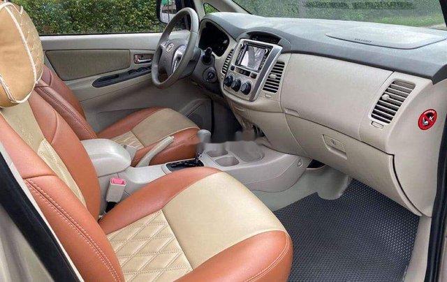 Bán ô tô Toyota Innova năm sản xuất 2014, màu vàng cát6