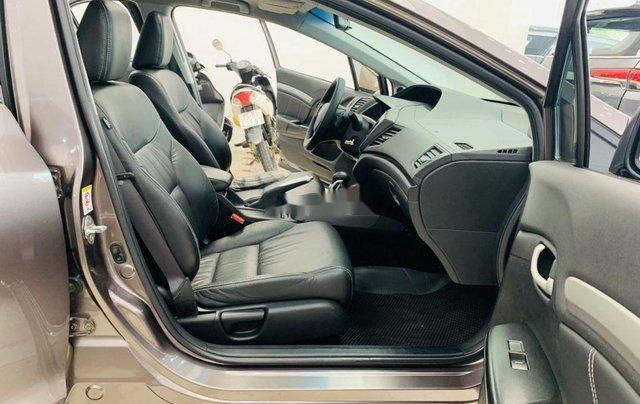 Cần bán gấp Honda Civic sản xuất 2015, xe gia đình6