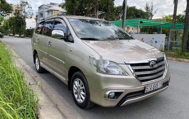 Bán ô tô Toyota Innova năm sản xuất 2014, màu vàng cát2