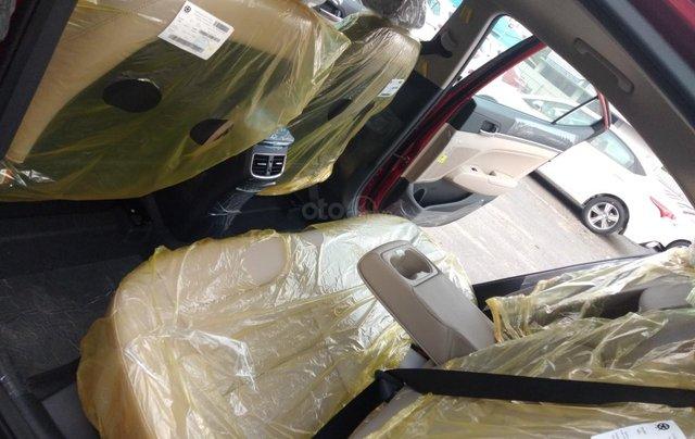 Elantra giảm giá cực sâu - khuyến mãi quà khủng. Nhận xe ngay - mua xe giá chỉ từ 115tr nhận xe10