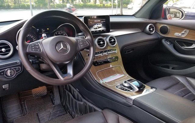 Bán  Mercedes -Benz GLC 250 4Matic8
