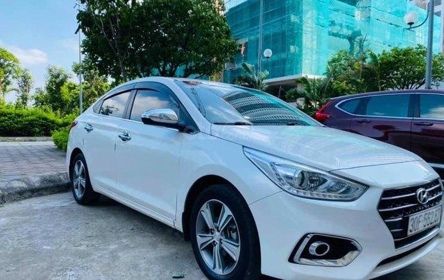 Bán gấp Hyundai Accent đời 2019, màu trắng1