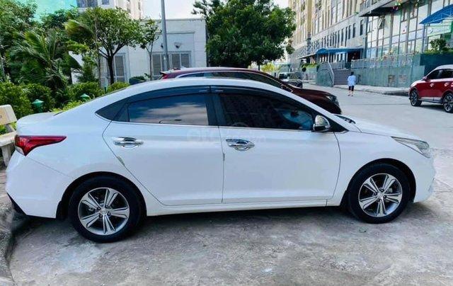 Bán gấp Hyundai Accent đời 2019, màu trắng0
