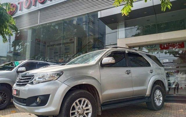 Bán Toyota Fortuner 2.5G 2014 màu bạc0
