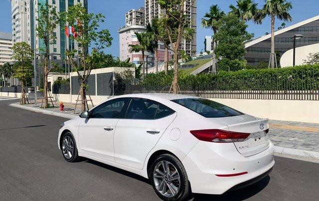 Cần bán xe Hyundai Elantra 2.0AT 2016, màu trắng1