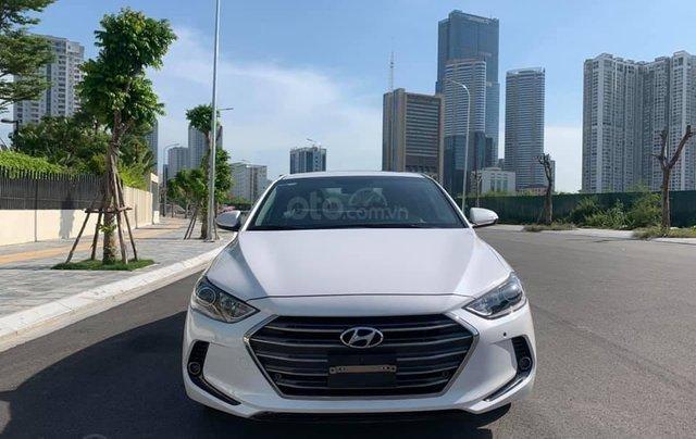 Cần bán xe Hyundai Elantra 2.0AT 2016, màu trắng3