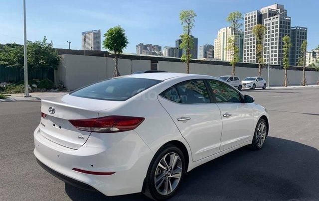 Cần bán xe Hyundai Elantra 2.0AT 2016, màu trắng4