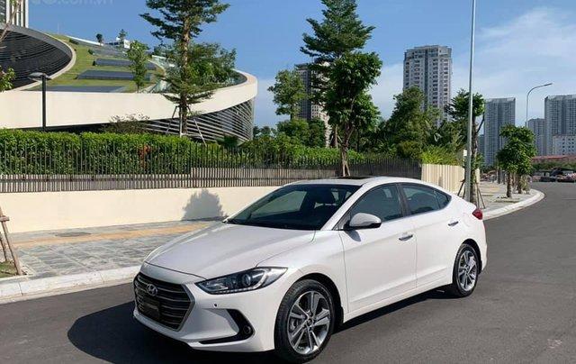 Cần bán xe Hyundai Elantra 2.0AT 2016, màu trắng5