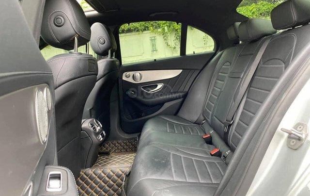 Cần bán gấp C300 AMG 2017, màu bạc5