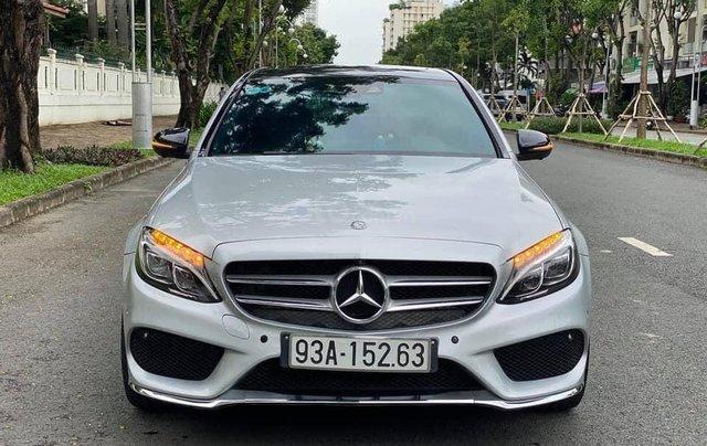 Cần bán gấp C300 AMG 2017, màu bạc2