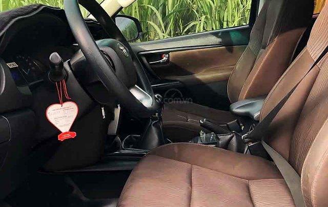 Cần bán gấp Toyota Fortuner năm sản xuất 2017, màu đen, nhập khẩu nguyên chiếc còn mới1