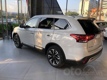 Mitsubishi Outlander 2020 khuyến mãi hấp dẫn cọc ngay trong tháng 122