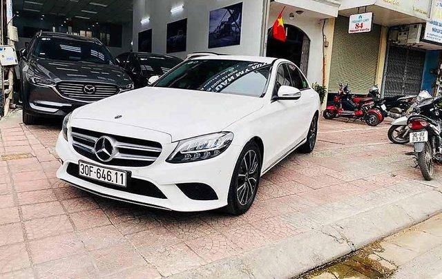 Bán Mercedes C class sản xuất năm 2018, màu trắng còn mới0