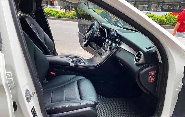 Bán Mercedes C class sản xuất năm 2018, màu trắng còn mới1