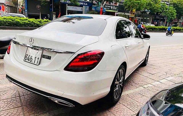 Bán Mercedes C class sản xuất năm 2018, màu trắng còn mới2