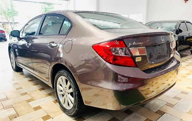 Cần bán xe Honda Civic sản xuất năm 2015, màu nâu còn mới1