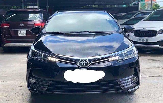 Cần bán xe Toyota Corolla Altis sản xuất 2019, màu đen còn mới giá cạnh tranh2