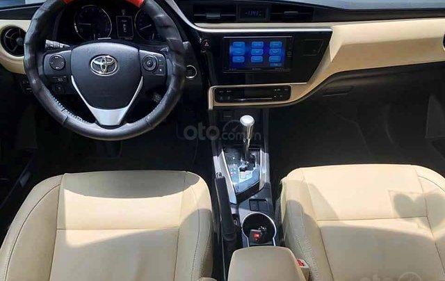 Cần bán xe Toyota Corolla Altis sản xuất 2019, màu đen còn mới giá cạnh tranh4