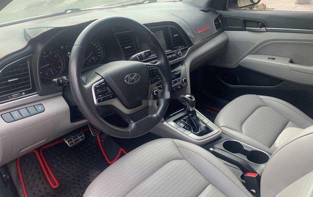 Bán ô tô Hyundai Elantra năm sản xuất 2017, xe còn mới, bao test hãng2