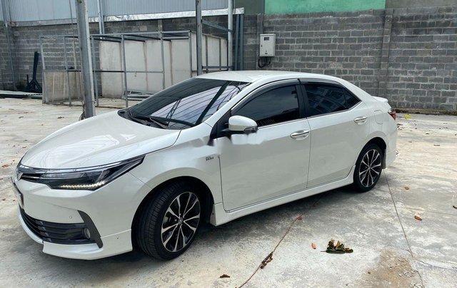 Cần bán gấp Toyota Corolla Altis năm sản xuất 2019, biển Sài Gòn, còn đẹp1