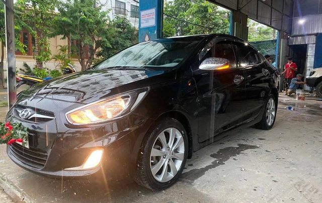 Cần bán Hyundai Accent sản xuất 2012 còn mới, 350tr9