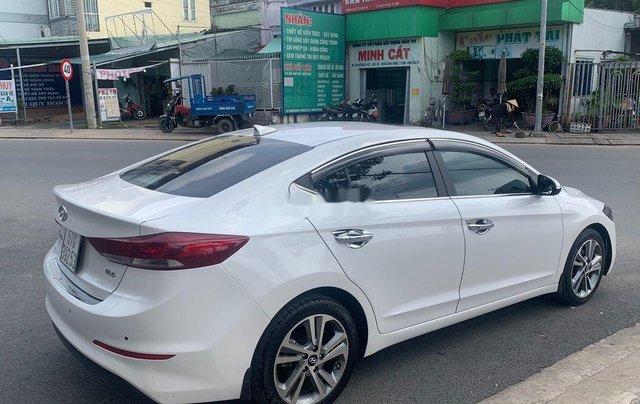 Bán ô tô Hyundai Elantra năm sản xuất 2017, xe còn mới, bao test hãng5
