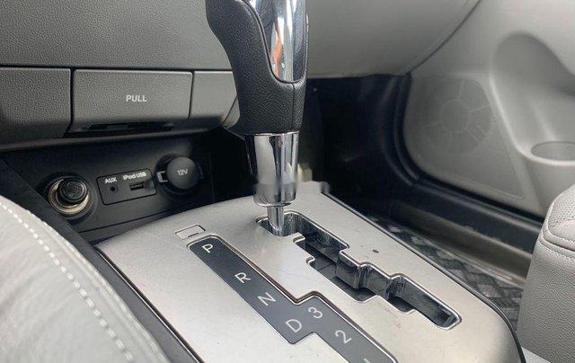 Cần bán gấp Hyundai Avante sản xuất 2013, xe chính chủ giá mềm7