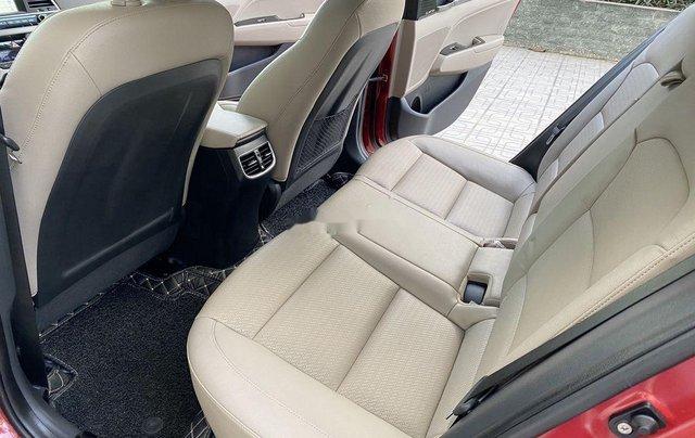 Bán ô tô Hyundai Elantra năm sản xuất 2018, xe chính chủ giá mềm9