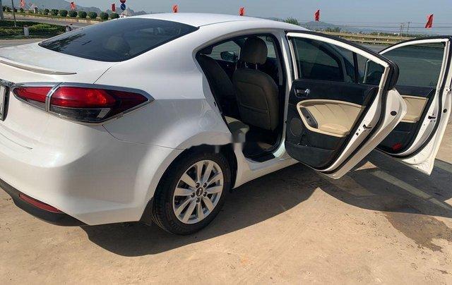 Cần bán lại xe Kia Cerato MT sản xuất năm 2017, xe chính chủ giá thấp4