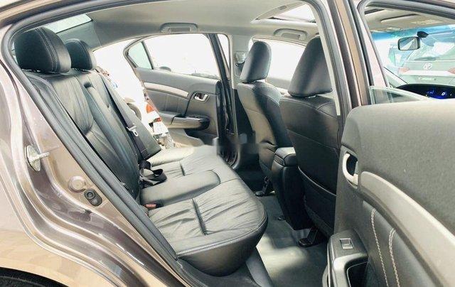 Cần bán gấp Honda Civic sản xuất 2015, xe gia đình11