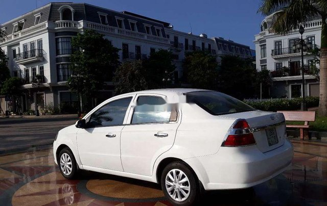 Cần bán xe Daewoo Gentra 2007, màu trắng3
