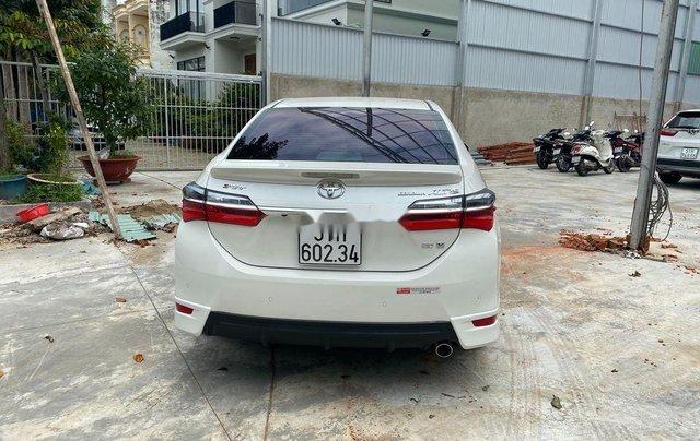 Cần bán gấp Toyota Corolla Altis năm sản xuất 2019, biển Sài Gòn, còn đẹp2