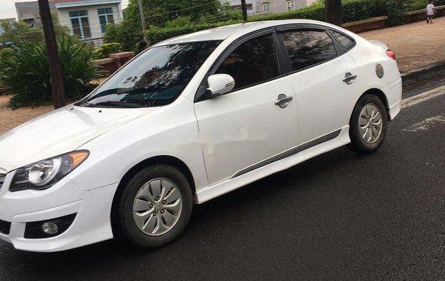 Cần bán xe Hyundai Avante đời 2011, màu trắng, xe nhập1