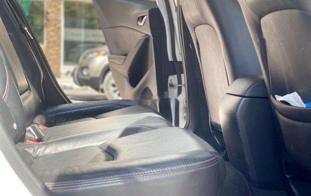 Cần bán gấp chiếc Mazda 3 sản xuất năm 2015, xe một đời chủ giá mềm6