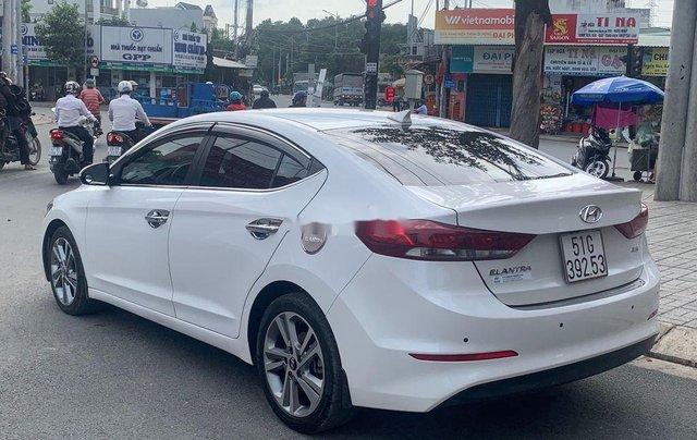 Bán ô tô Hyundai Elantra năm sản xuất 2017, xe còn mới, bao test hãng7