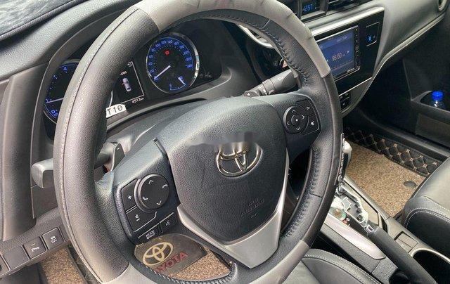 Cần bán gấp Toyota Corolla Altis năm sản xuất 2019, biển Sài Gòn, còn đẹp6