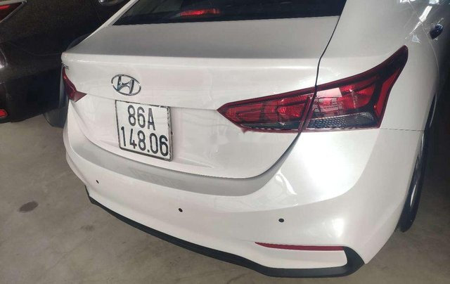 Cần bán gấp Hyundai Accent MT năm sản xuất 2020, xe nhập, còn mới9