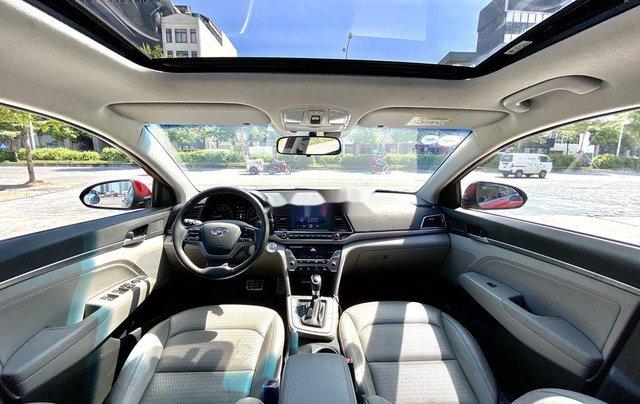 Bán Hyundai Elantra năm sản xuất 2017, xe chính chủ giá mềm8