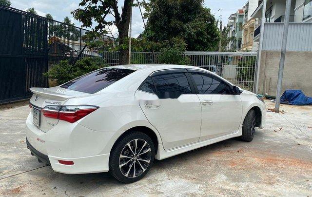Cần bán gấp Toyota Corolla Altis năm sản xuất 2019, biển Sài Gòn, còn đẹp3